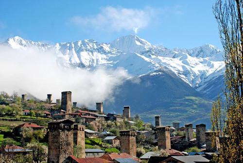 Uxua-Domblas-learningcity-svaneti-tectonica-blog-georgia-tours